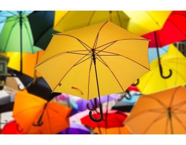 Reklám esernyő és reklám napernyő: stílusos és hosszú távon használható